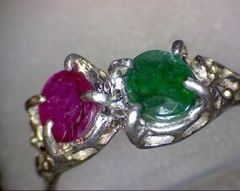 Beautiful Vintage Emerald and Ruby Ring