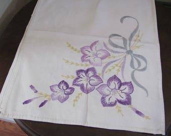 "Table Linens Handmade Embroidered Linen Cotton Table Runner Dresser Scarf Doily - 14"" x 38"" (#113)"