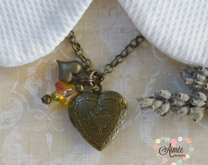 heart locket necklace, dangle locket necklace, victorian locket, vintage locket, romantic locket, photo locket, memory locket