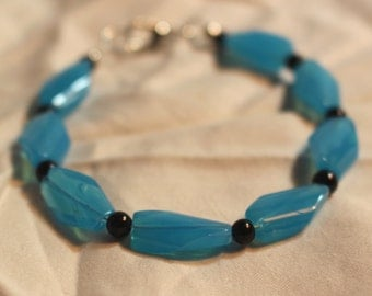 Turquoise Glass and Black Glass Beaded Bracelet