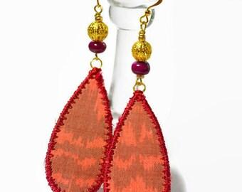 boho textile earrings, festival silk earrings, teardrop earrings, beaded jewelry, handpainted artisan earrings, textile jewelry, red, ooak