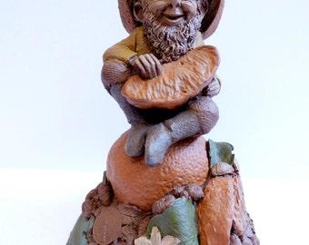 JULIUS Thomas Clark gnome figurine elf retired 1985 oranges