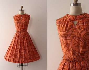 vintage 1960s dress // 60s day dress with belt