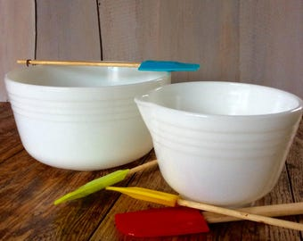 Free Shipping Vintage Pyrex Mixer Bowl Set / Mixing Bowls for Hamilton Beach Mixer Retro Milk Glass Mixing Bowl Set