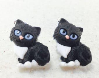 Cat Earrings, Kitty Earrings, Cat Lover Earrings, Animal Earrings, Cat Dangle Earrings, Black and White Cat Jewelry, Kitten Earrings