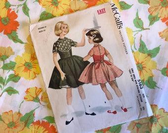 1950's Helen Lee McCalls Dress & Petticoat Pattern (Size 4 )