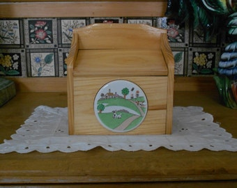 Rustic Recipe Card File Box - Vintage New Condition Old Stock - 1980s Pine with Rabbit Medallion