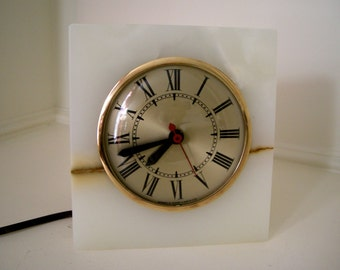 Vintage Sessions Alabaster Marble Table Mantle Mid Century Clock