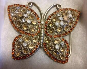 Butterfly belt buckle