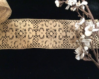Vintage Handmade Wide Ecru Wool Crocheted  Insert Lace, Vintage Wool Edging, Country Lace, Antique Wool Lace