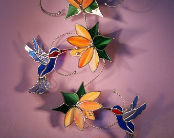 Stained Glass Hummingbirds with Flowers   (792)