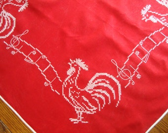 Red Rooster Tablecloth Vintage Table Cover Embroidered Singing Roosters