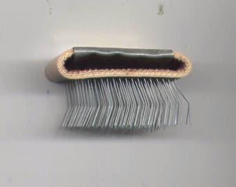 BUNKA SHISHU BRUSH for Punch-Needle Embroidery