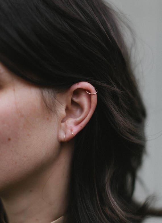 Tiny Silver Hoop Earring - 18g 20g 22g Small Hoop Earrings - Thin Gold Nose Ring - Cartilage - Tragus - Septum - 6mm 8mm 10mm Endless Hoops