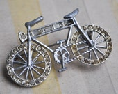 Vintage metal brooch.