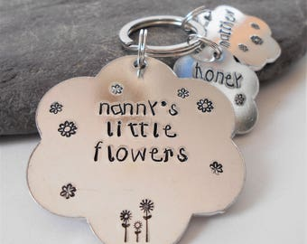 handstamped nanny keyring, nanny flower keychain , family aluminium personalized keychain, Mother's Day gift, keepsake gift for her
