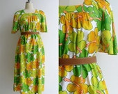 15% V-DAY WEEK Sale - Vintage 80's Hawaiian Hibiscus Floral Flutter Sleeve Maxi Dress S or M