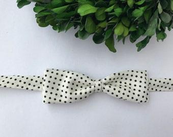 White and Black Dot Skinny Bow Tie