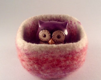 felted wool bowl, square shaped wool container, desktop storage, shades of lavender, pink and cream