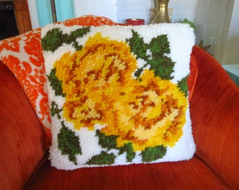 Vintage 1970s Retro Cottage Yellow Rose Crewel Latch Hook Rug Square Throw Pillow