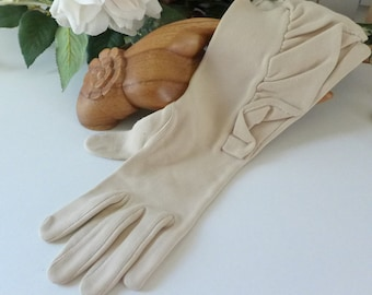 Ruffled Vintage Gloves Ecru past the wrist Fashion Gloves light beige Small 50s 60s Stylish