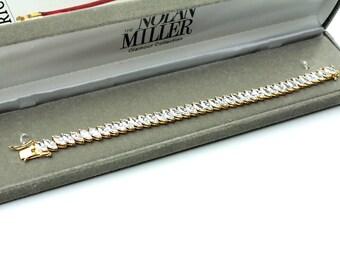 Glamour  Nolan Millers Gold Tone Crystal Bracelet #782