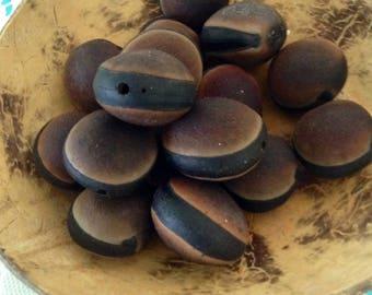 Ojo de Buey - hamburger beads - drilled Mucuna seeds - Ox Eye Seeds - brown seeds - Natural - Surf tumbled - Hawaii