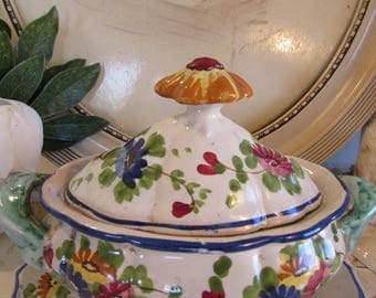 Superb vintage sauce boat.  Italian ceramics.