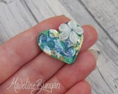 Water Garden, Heart with cream flower, Lampwork heart-shaped cabochon