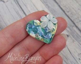Water Garden, Heart with cream flower, Lampwork heart-shaped cabochon