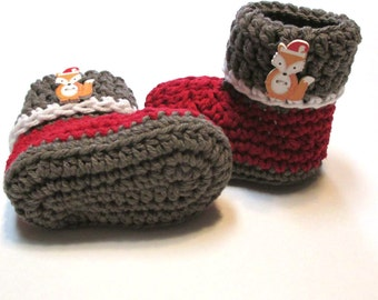 Baby Christmas booties.  Ready to ship 3-6 months crochet baby booties with fox in santa hat.  Christmas boots for baby.