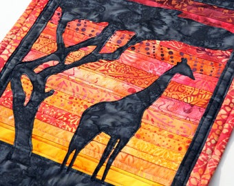 Giraffe Sunset Quilted Wall Hanging / Art Quilt, Handmade by PingWynny