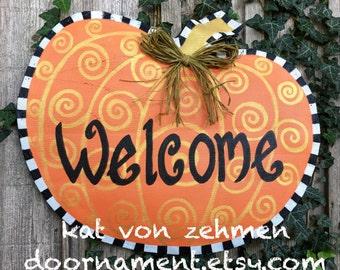 Thanksgiving Door Hanger, Fall Door Hanger, Screen Wire Fall Welcome Pumpkin Orange Black and White Checkered Border Door Hanger Wreath