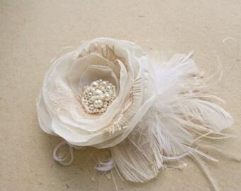 Wedding Headpiece, Bridal Hair Flower, Vintage Wedding Flower Hairpiece, Rustic Hair Flower, Champagne, Ivory, Beige, Lace, Pearls, Feathers