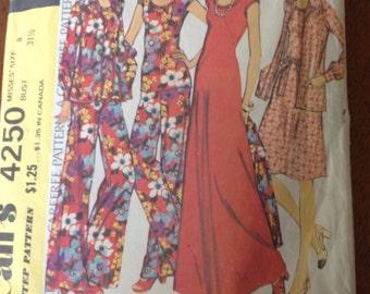 Vintage 1974 McCall's Dress Pattern,Size 8 Womens Dress Pattern