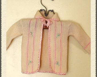 Vintage Baby girl ivory and pink hand knitted sweater, baby girl off white hand knitted sweater , 0-3 month sweater for girls