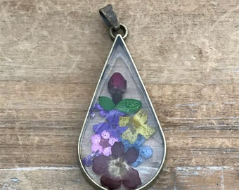 Double Sided Glass Nature Pendant with Preserved Flower Bouquet Inside Vintage Jewelry Supplies (BD012)