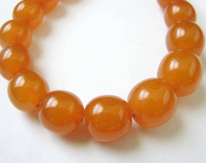 Vintage Pressed Baltic Natural Honey Amber Graduated Bead Necklace / 57 Grams / Jewelry / Jewellery