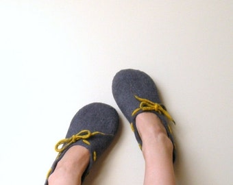 Valentines gift - women slippers - Felted wool women slippers Grey yellow - wool clogs - made to order - warm gift - gift for her