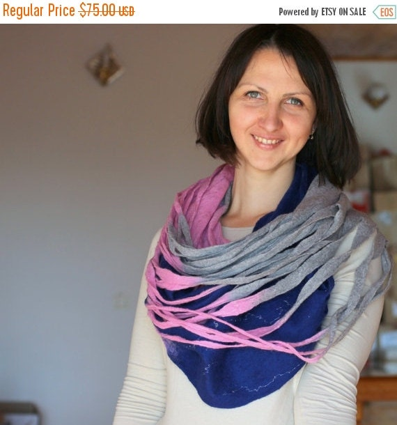 Women infinity scarf - Cobweb felted wool circle scarf - necklace / grey pink deep blue READY TO SHIP