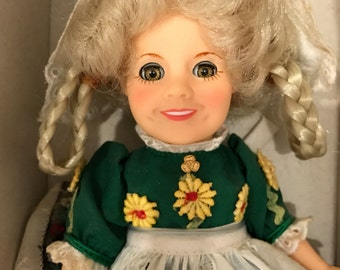 """1982 Ideal Shirley Temple 8"""" in box"""