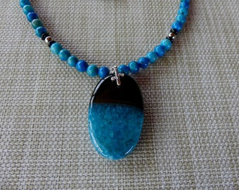 20 Inch Deep Turquoise Blue and Black Druzy Agate Pendant Necklace