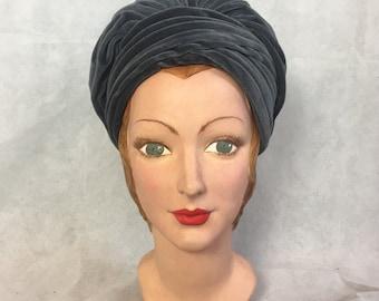 SALE! 1950s velvet turban 1960s