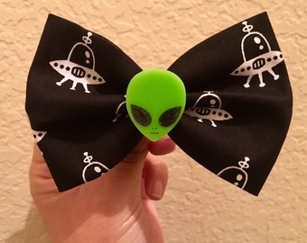 Alien and Ufo hair bow