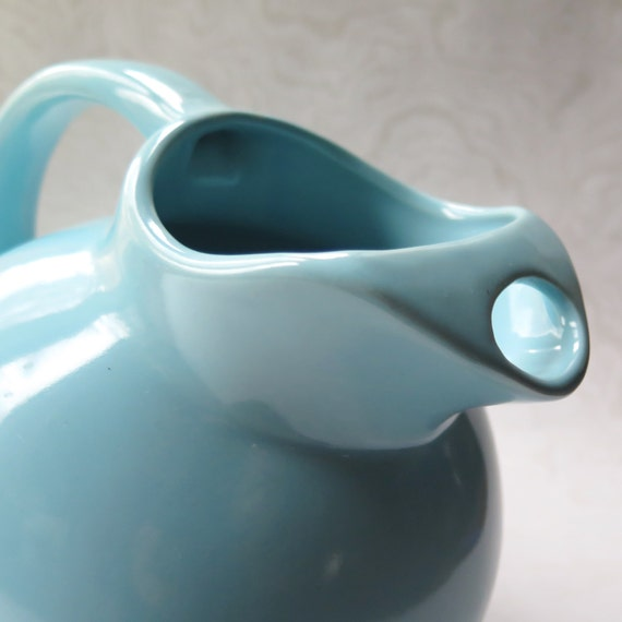 USA Blue Ball Pitcher Jug Vintage Pottery McCoy Bauer Style Retro Kitchen Cottage Chic Robin's Egg Blue