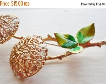 ON SALE Vintage Gold Flower Enamel Brooch, 2 Flowers, Gold Stem, Green Leaves, Collectible Jewelry, Bridal Brooch Bouquet