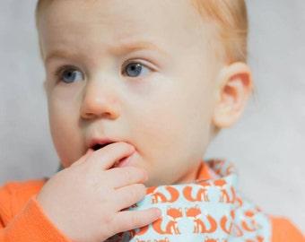 Bandana Bib in Aqua Mirrored Foxes. Baby Bandana Bib. Gifts for Baby. Baby Bib. Drool Bib. Baby Scarf. Baby Fox. Foxes. Fox Nursery. Bib.