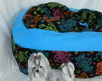 Large Wide Fleece Pet Bed - Machine Washable - Multi-Color Robots