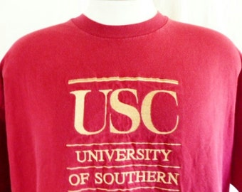 Go USC Trojans vintage 90's University of Southern California wine red graphic t-shirt yellow gold embroidered logo crew neck oversized XXL