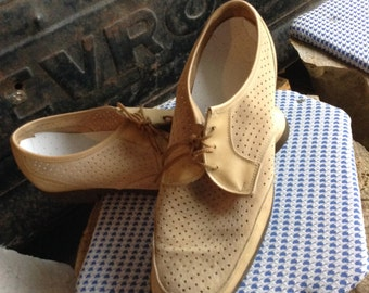 Vintage hipster Hushpuppy Leather Oxfords size 10 free domestic shipping